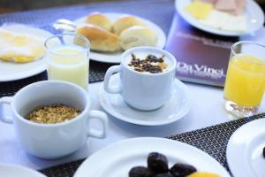 Coffee and tea-making facilities at Da Vinci Hotel & Conventions