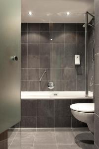 A bathroom at Eden hotel Amsterdam