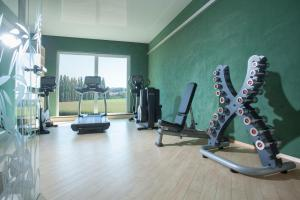 The fitness center and/or fitness facilities at Hotel Victory Therme Erding