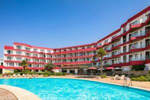 The swimming pool at or near Hotel da Aldeia