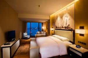 A room at Hilton Wuhan Riverside
