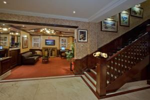 A restaurant or other place to eat at Britannia Hotel Wolverhampton