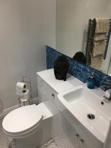 A bathroom at Mildmay Road Apartments