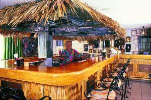 Лаундж или бар в Doctors Cave Beach Hotel