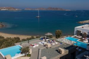 Vista sulla piscina di Hotel Senia - Onar Hotels Collection o su una piscina nei dintorni