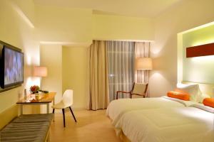 A room at HARRIS Hotel & Conventions Bekasi