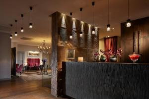 The lounge or bar area at Hotel Cour du Corbeau Strasbourg - MGallery