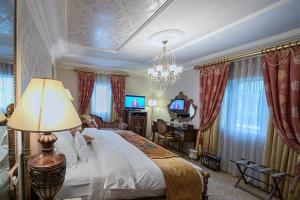 A room at House of Splendor Boutique Hotel and Spa