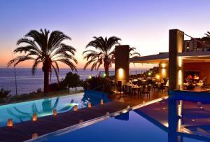 A piscina em ou perto de Pestana Promenade Ocean Resort Hotel