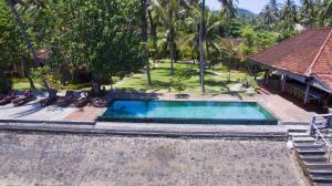 Kolam renang di atau di dekat D'Tunjung Resort & Spa