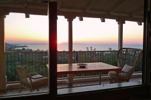 Αίθριο ή υπαίθριος χώρος στο Sea View Villa with 4 bedrooms - grECOrama