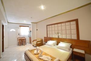 A room at Angelina Hotel & Apartments