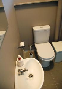 A bathroom at Langkawi Dormitorio