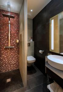 A bathroom at Hotel Aguado