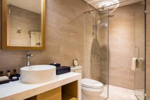 A bathroom at FLC Luxury Hotel Quy Nhon