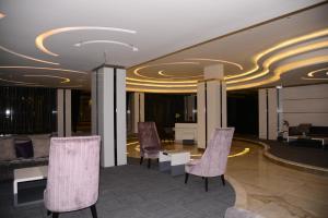 O lounge ou bar de Durat Al Urubah