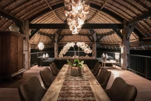 The lounge or bar area at Suarga Padang Padang
