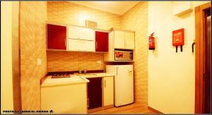 A cozinha ou cozinha compacta de Taraf Yanbu 2