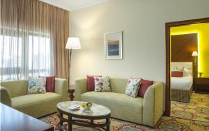 Лаундж или бар в Coral Dubai Deira Hotel