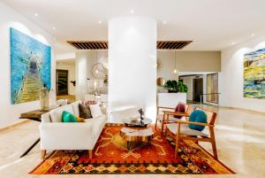 A seating area at Villa Premiere Boutique Hotel & Romantic Getaway
