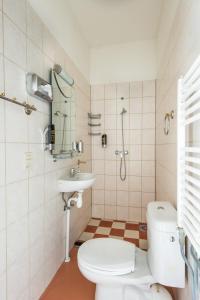 A bathroom at Hotel Plantage