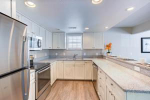 A kitchen or kitchenette at Beachwoods by Diamond Resort