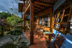 The lounge or bar area at Pousada Villa Da Prainha