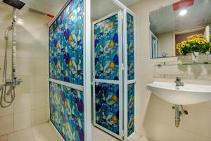 Ein Badezimmer in der Unterkunft AZ Hanoi Hostel