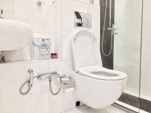 Ванная комната в Apartment on Novyy Arbat 34