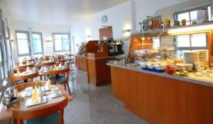 Ресторан / где поесть в ALFA Hotel - Superior