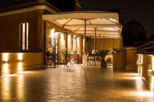 A restaurant or other place to eat at Hotel Monte Cenci