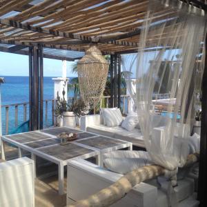 Ein Restaurant oder anderes Speiselokal in der Unterkunft Bliss Boutique Hotel Seychelles