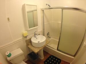 Salle de bains dans l'établissement Venice Beach Hostel