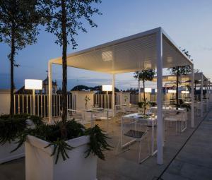 Un patio o zona al aire libre en Hotel Fernando III
