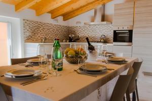 Restaurant ou autre lieu de restauration dans l'établissement Villa Perla del Lago