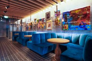 The lounge or bar area at Canopy by Hilton Reykjavik City Centre