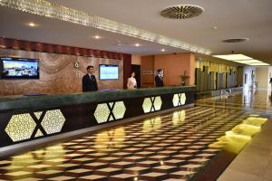 The lobby or reception area at Istanbul Gonen Hotel