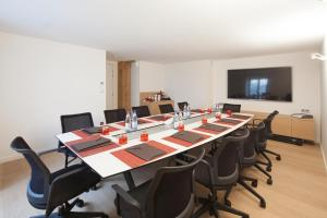The business area and/or conference room at Pavillon REGENT PETITE FRANCE