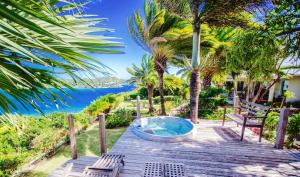 A garden outside Dolcevita Cliff Private Resort by KlabHouse - Adults Only