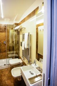 A bathroom at Click&Sleep
