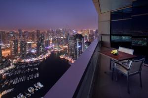 Балкон или терраса в Dubai Marriott Harbour Hotel And Suites