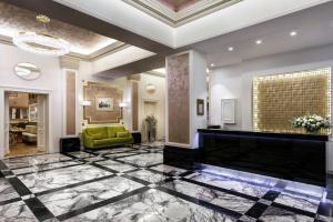 Hall o reception di COSMOPOLITAN Hotel Prague