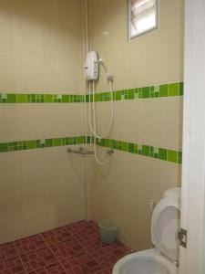 Ein Badezimmer in der Unterkunft Toonja Kohlarn