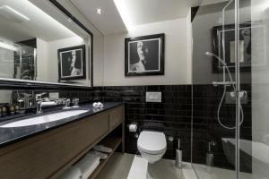 Koupelna v ubytování Grand Hotel Slavia
