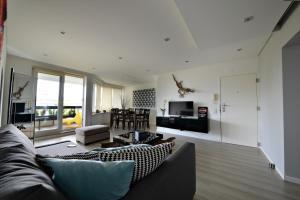 A seating area at Apartment Casa Verena