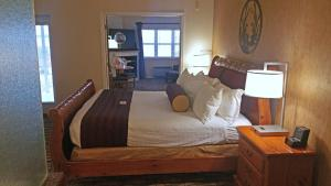 A room at Cherry Tree Inn and Suites