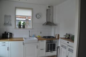 Een keuken of kitchenette bij Appartement De Boppeslach