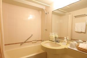 A bathroom at Hotel Viamare Kobe