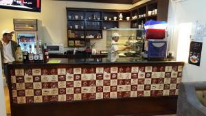 O lounge ou bar de Danat Alfakhamah