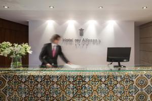 El vestíbulo o zona de recepción de Hotel Rey Alfonso X
